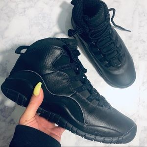 Air Jordan Retro 10 Black Cat 🌑🐱